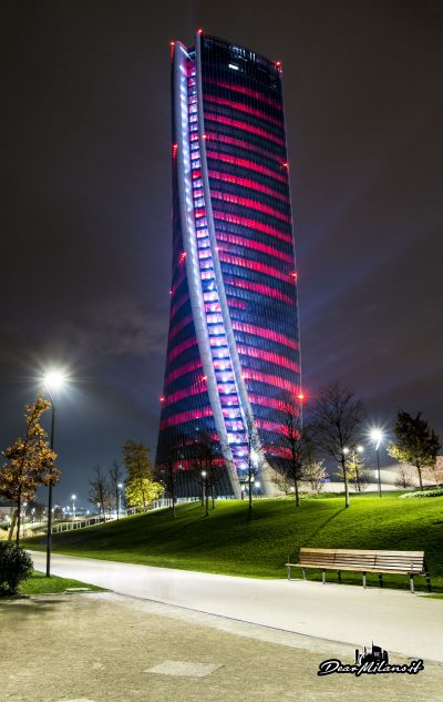 Torre Hadid - Light Show CityLife